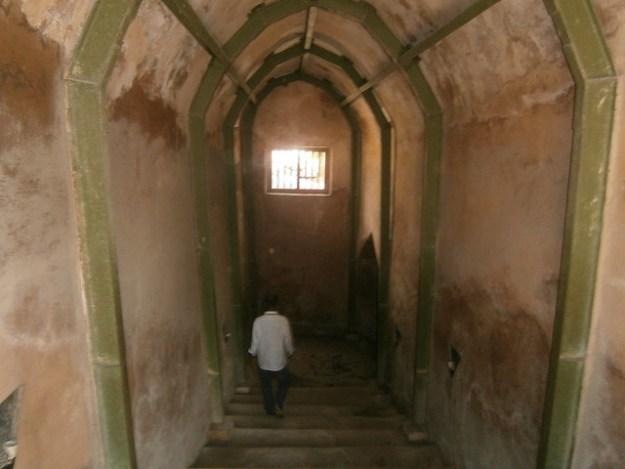 Tunnel to Underground Mosque