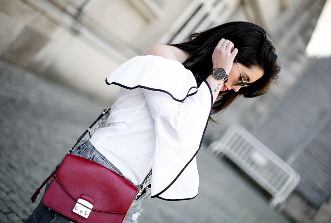 top-hombros-al-aire-volantes-zara-jeans-slingback-chanel-myblueberrynightsblog4