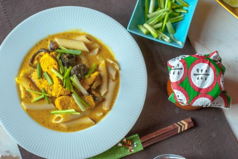 zupa curry z makaronem