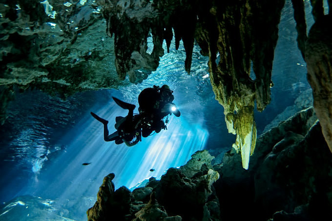 cenote-diving-in-mexico