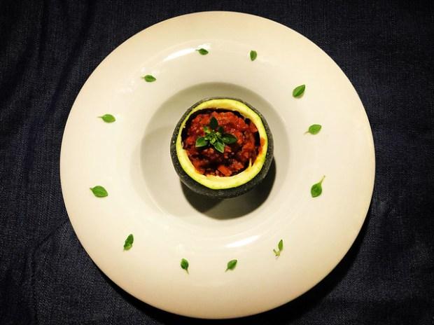 calabacín alla bolognese o tagliatelle a la boloñesa o salsa bolognesa. koketo