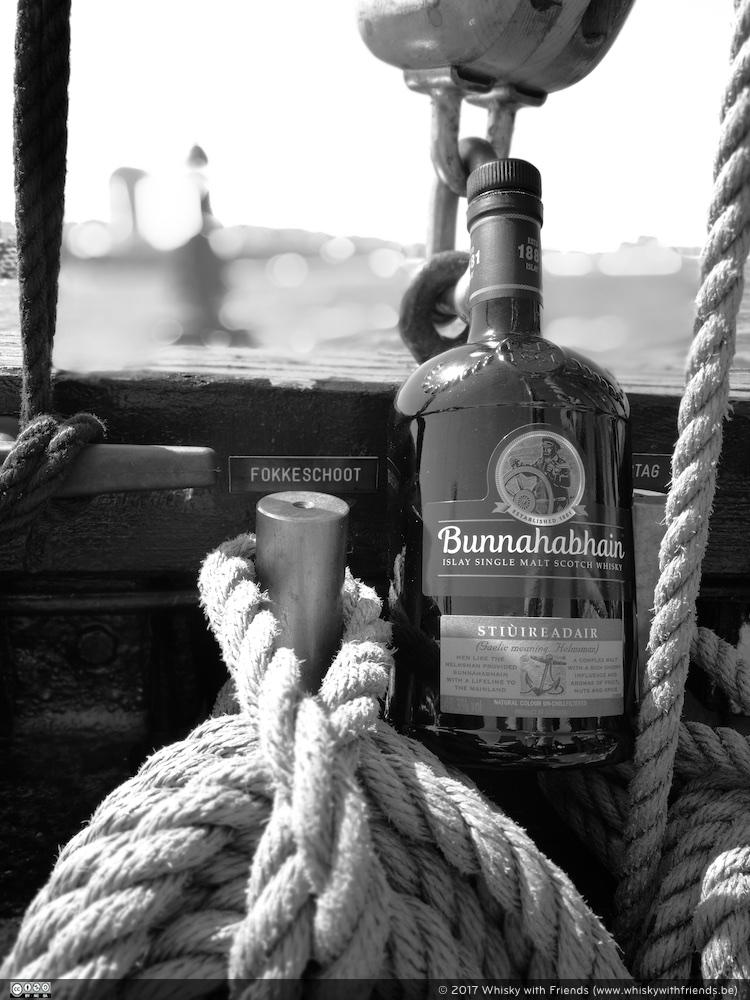 De Bunnahabhain Stiûreadair ... paste perfect bij ons zee avontuur!