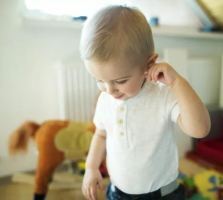 http://blog.asha.org/2017/06/08/watching-for-signs-of-ear-infections-in-young-clients/