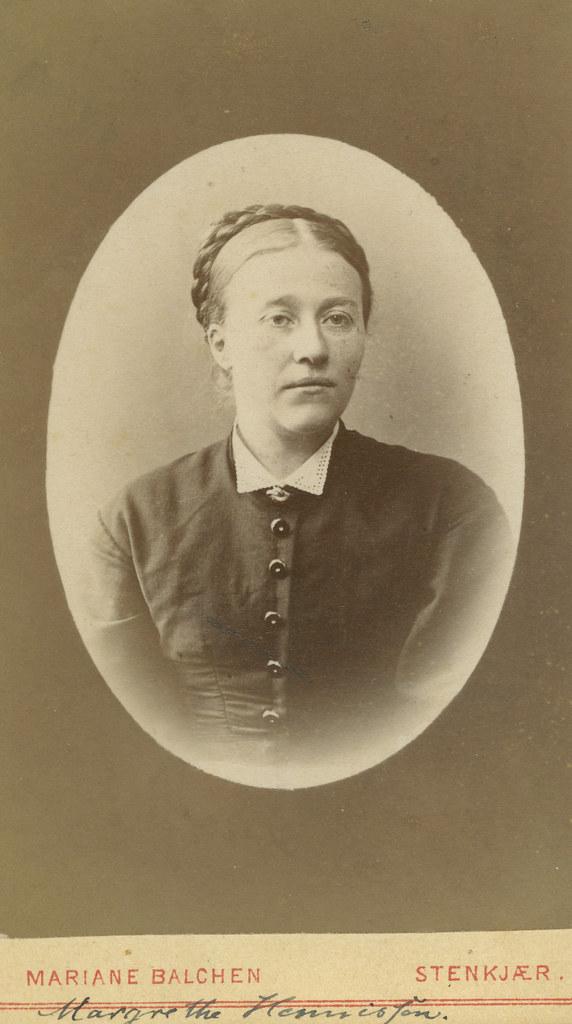 Margrethe Hennissen f 1844  Format Fotopositiv