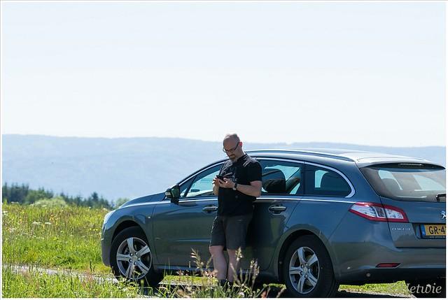 Op zoek naar nieuwe fotolocaties voor de masterclass in de Auvergne.