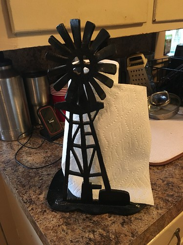 This was Farmer Glen's wife, Shana's, paper towel holder. I tried to buy it from her but she wouldn't budge.
