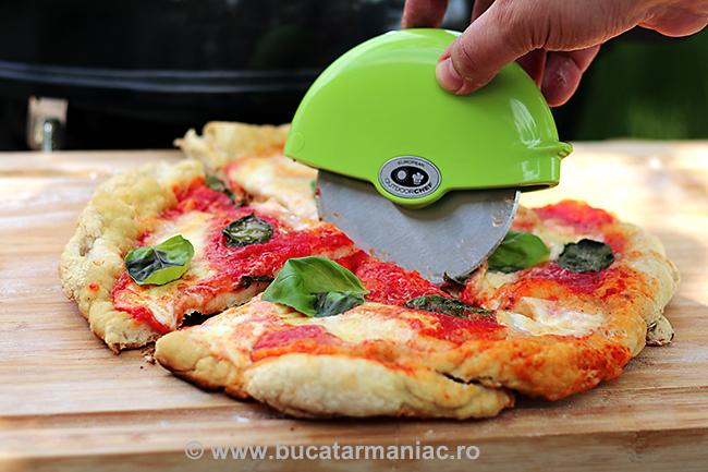 pizza gratar1