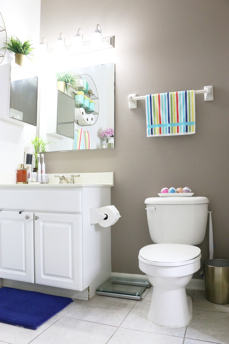 bright-colorful-bathroom-summer-refresh-8