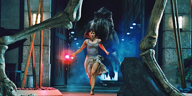 Jurassic-World-Screencaps-Claire-Dearing-jurassic-world-39515519-1919-960