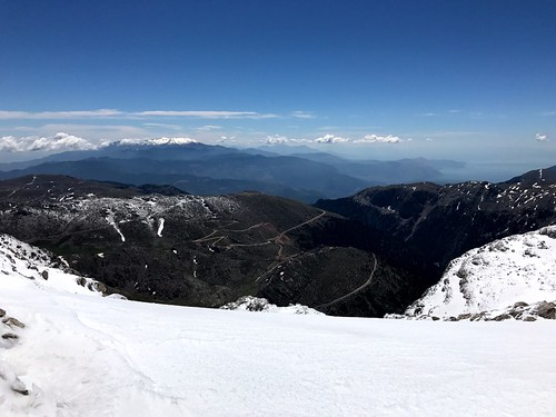view of mount parnassus from top of mount giona - θέα παρνασσού από την κορυφή της γκιώνας
