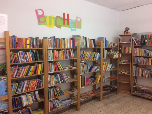 Donating cloths in Stuttgart - books for kids