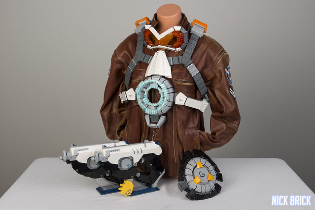 Cosplay As Tracer From Overwatch With Her Full LEGO
