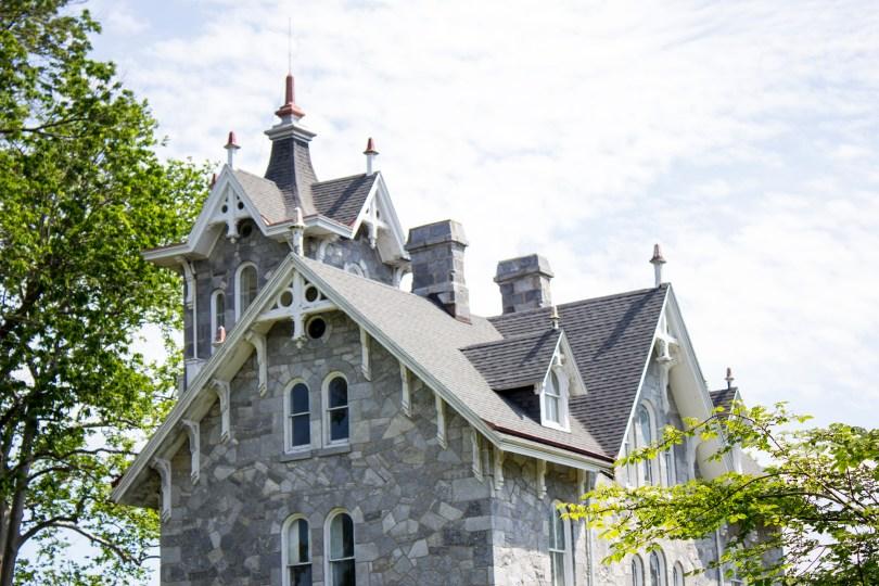 lockwood-mansion-roof