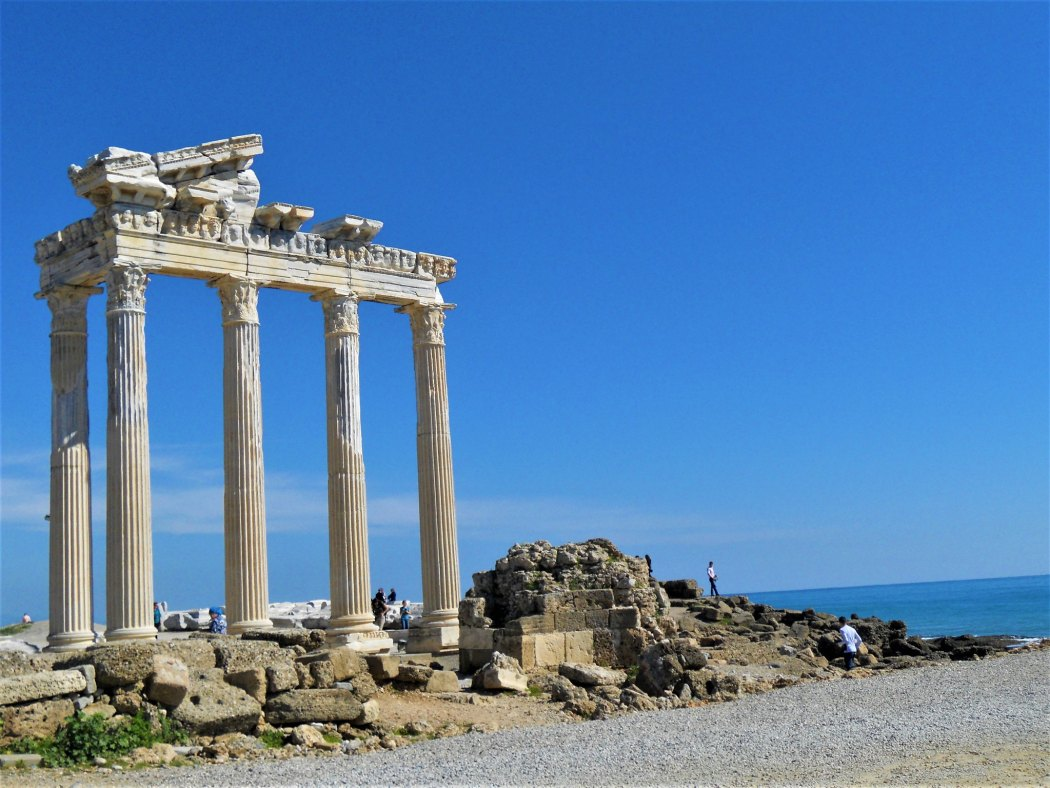 Temple of Apollo, Side