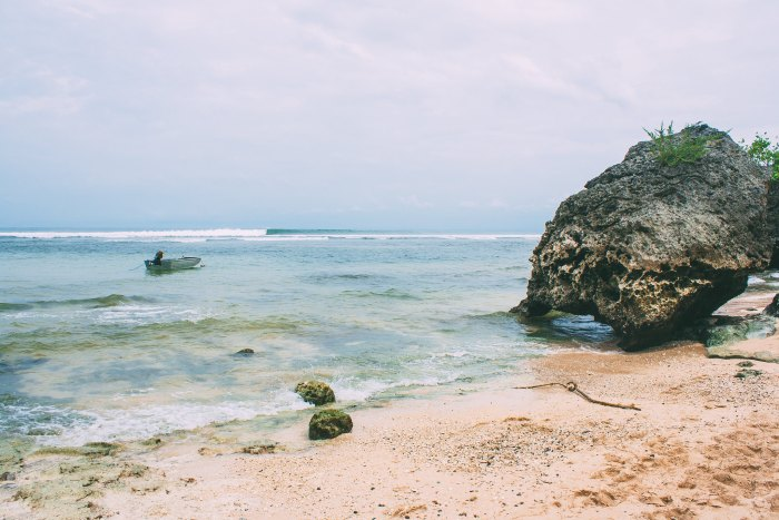 A First-Timer's Guide to Uluwatu, Bali (Padang Padang Beach)