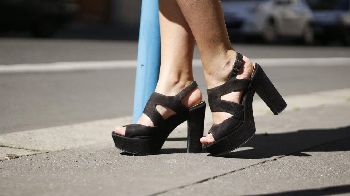 9-Chaussures-noir-talons-été