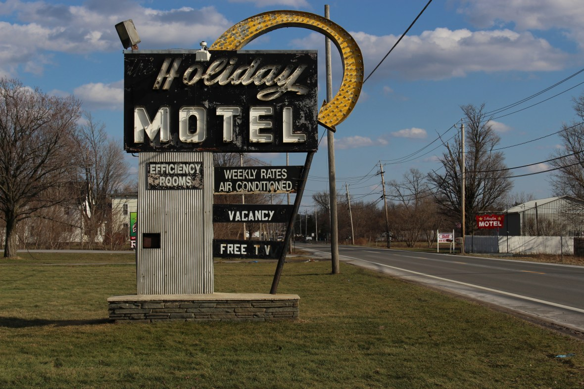 Holiday Motel - 2389 New York State Route 5, Utica, New York U.S.A. - February 27, 2017