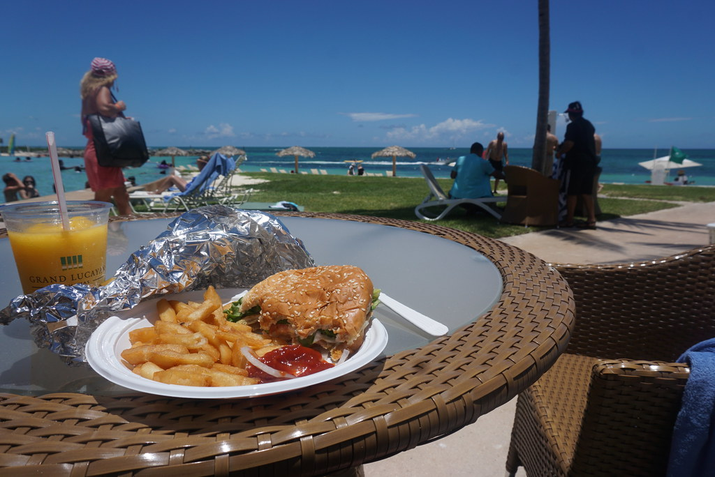 grand lucayan resort lunch
