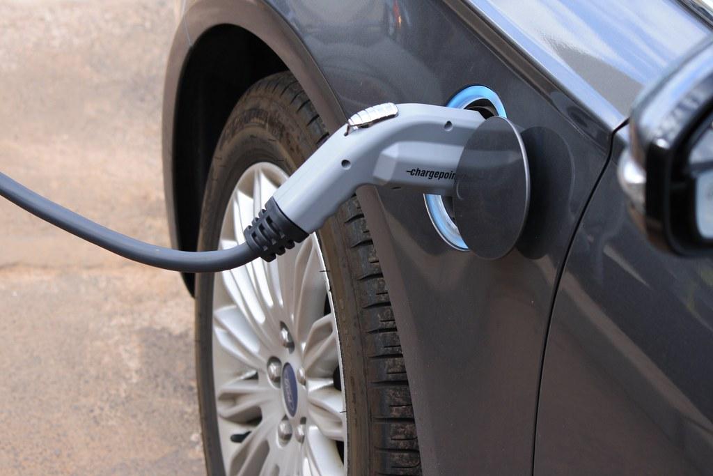 【2040電動車化】在「對的時間」充電有利多 臺電靠這四招搞定 | 臺灣環境資訊協會-環境資訊中心