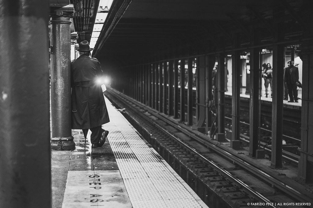 Fb Wallpaper Hd Nonchalance In The Metro Station Fabrizio Pece Flickr