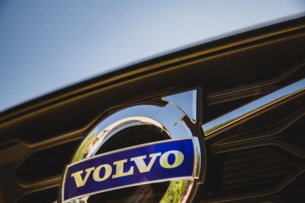 Volvo Logo A Volvo Logo On The Grille Of A Volvo V60 C