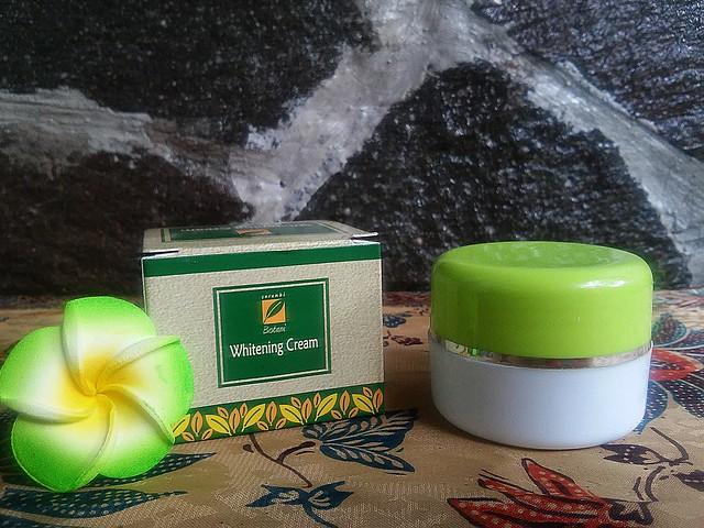 Serambi Botani Whitening Cream