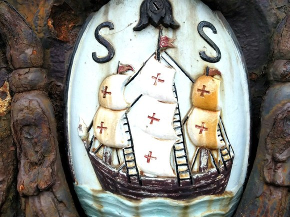 Apropos of nothing, San Sebastian's coat of arms.