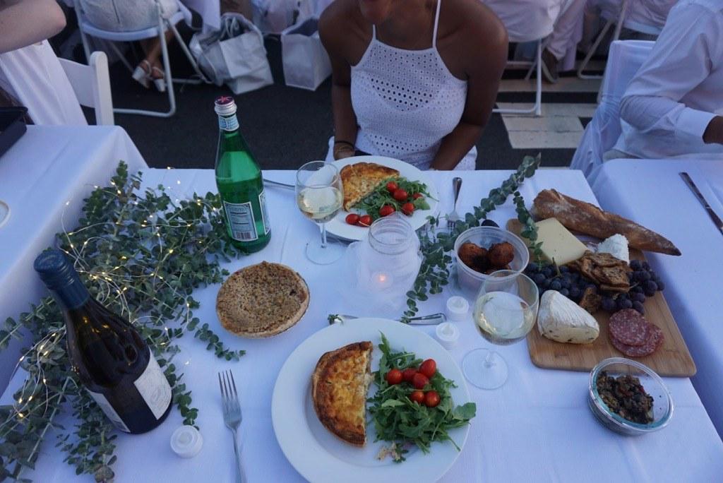 Diner en Blanc Meal