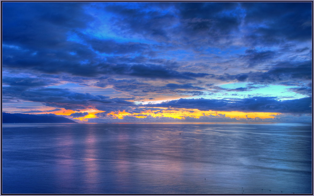 Blue Sunset  From yellow and orange to blue hour in a