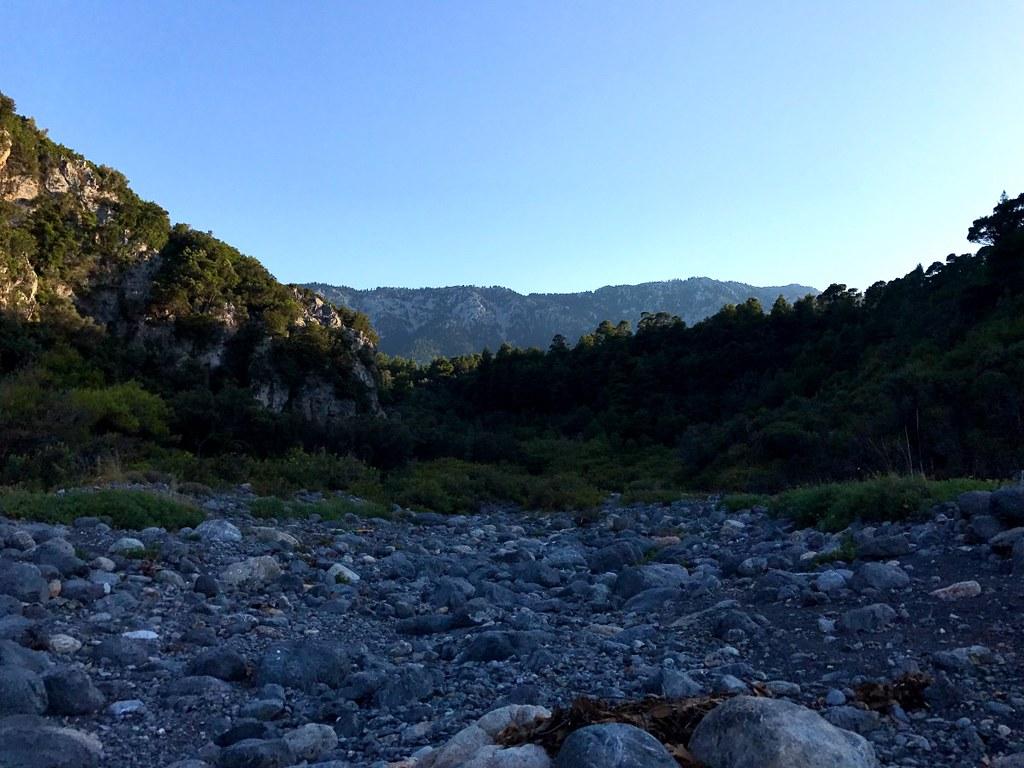 ξερη κοιτη ποταμου στην βλαχια της βορειας ευβοιας