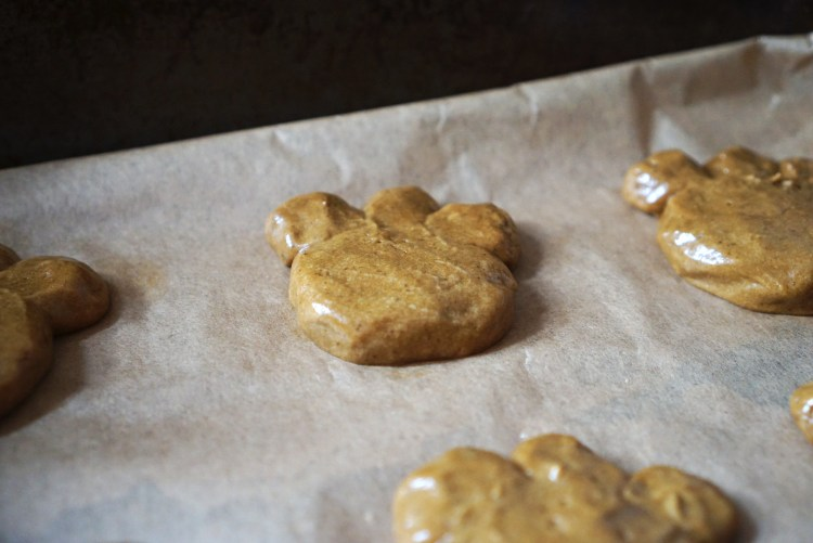 Gluten free bear paws | gluten free bear claws | gluten free soft treacle cookies