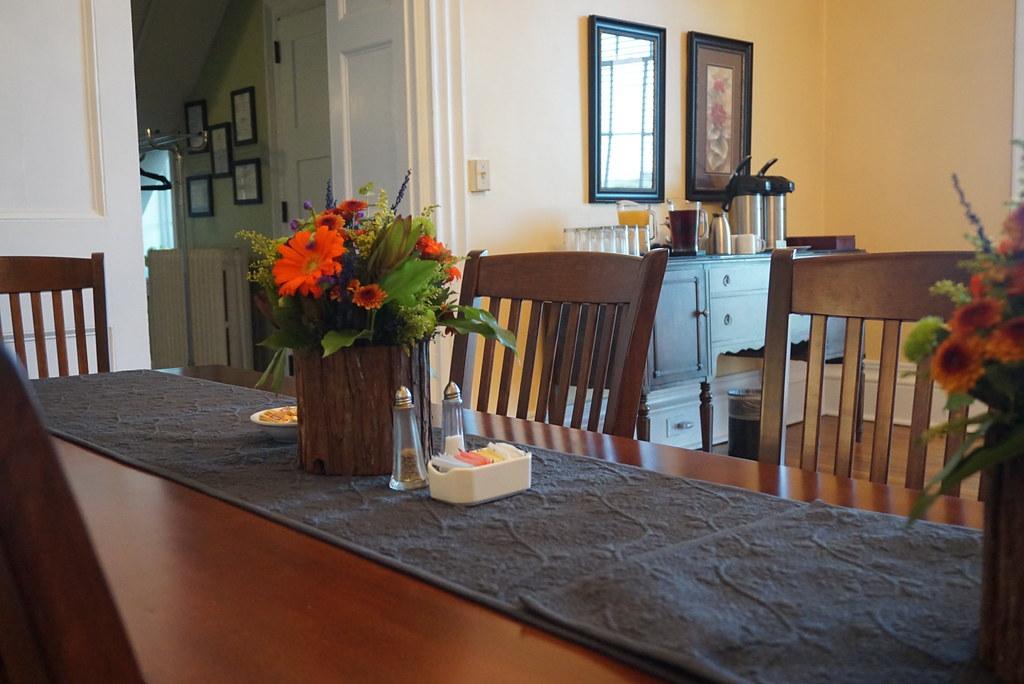 Fairfield farm farm table