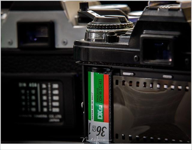 Een kleurnegatief film, of simpelweg; een fotorolletje, van 100ASA, DIN 21° of 100/21 ISO