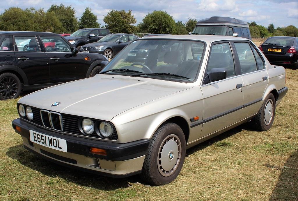 E651 WOL  1988 BMW 320i auto 4door  NivekOldGold