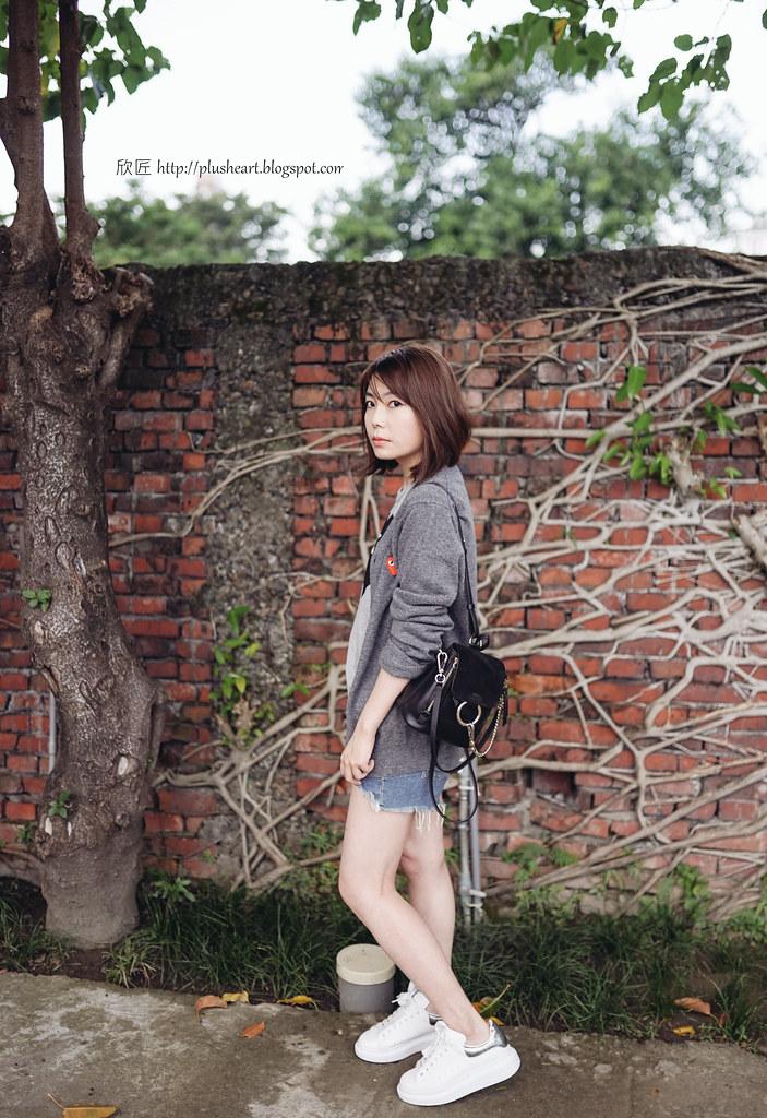 ▌Outfit ▌ 臭臉匠:CDGP針織毛衣 + Chloe Faye mini Backpack + Alexader Mcqueen厚底小白鞋