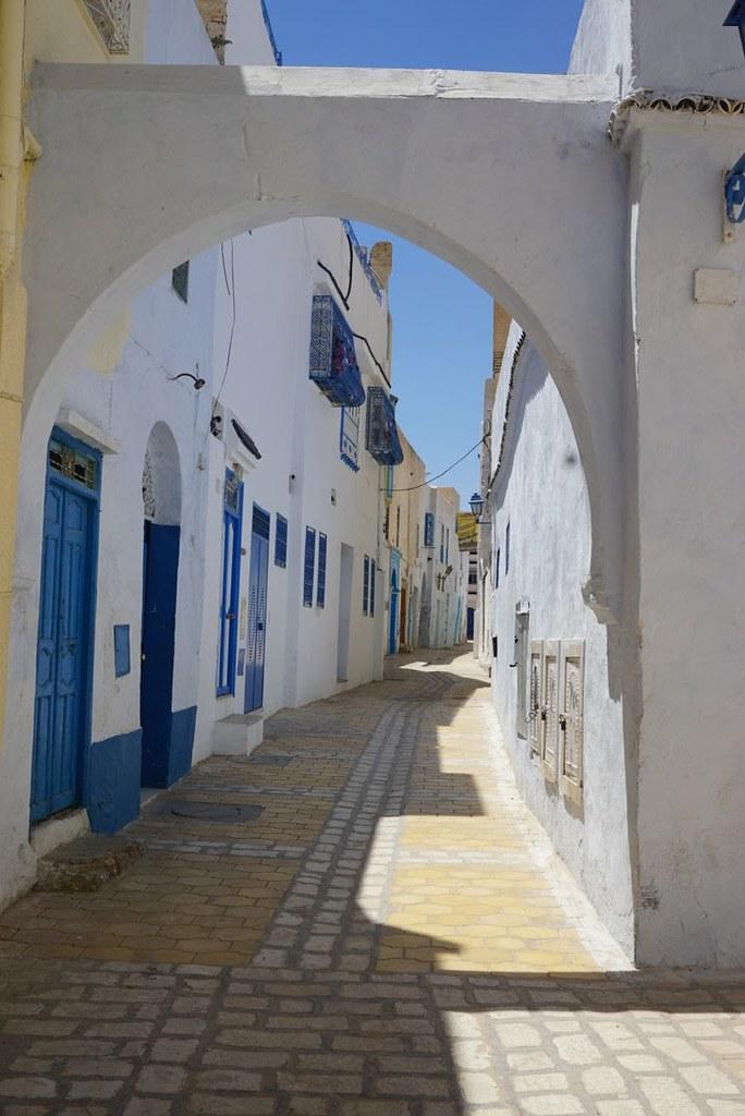 kairouan tunisia doorway