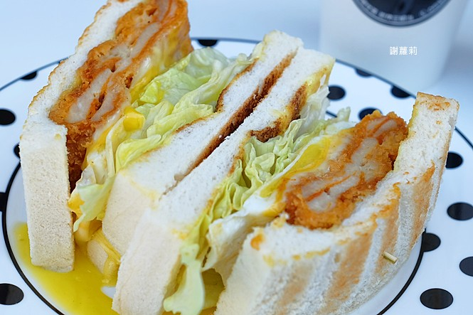 38694321660 9a186b4d90 b - 翻白眼女孩 炭烤三明治   讓你飽到不要不要,都說是招牌了,還不點