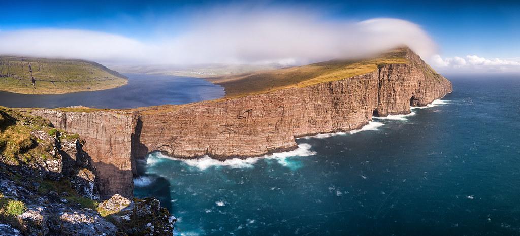 3d Island Wallpaper Cliffhanger Lake S 248 Rv 225 Gsvatn Faroe Islands Faroe