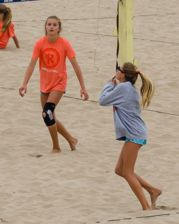 Cbva Cbv 2075 Two Junior Volleyball Players In Action