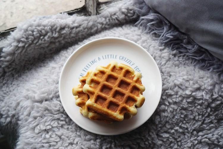Gluten free waffles   gluten free recipes   gluten free breakfast   Kimi Eats Gluten Free