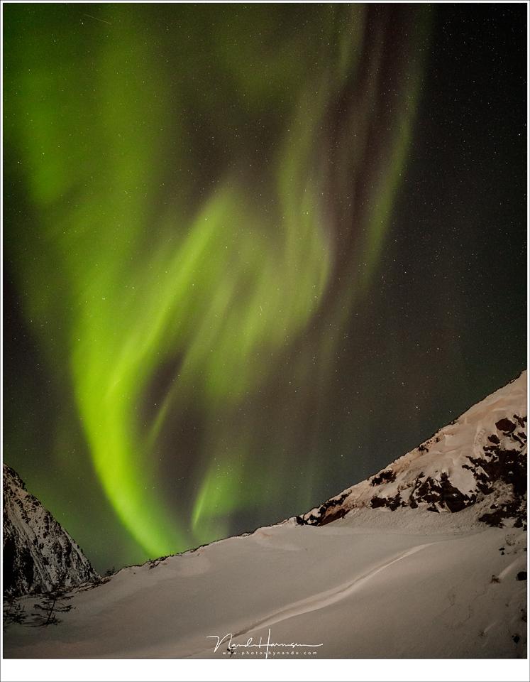 Het dansende Noorderlicht staat nooit stil (16mm | ISO6400 | f/2,8 | t=4sec)
