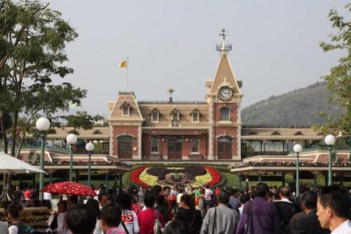 A sea of black hair approaching Hong Kong Disneyland