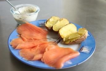 نتيجة بحث الصور عن Baked Salmon with Honey Mustard Sauce