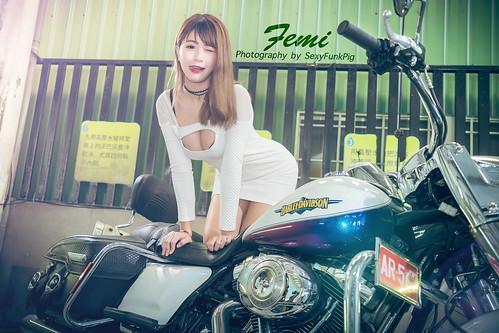 林珈伊 Femi 比基尼洗車   Sexy Funk Pig 性感放克豬   Flickr