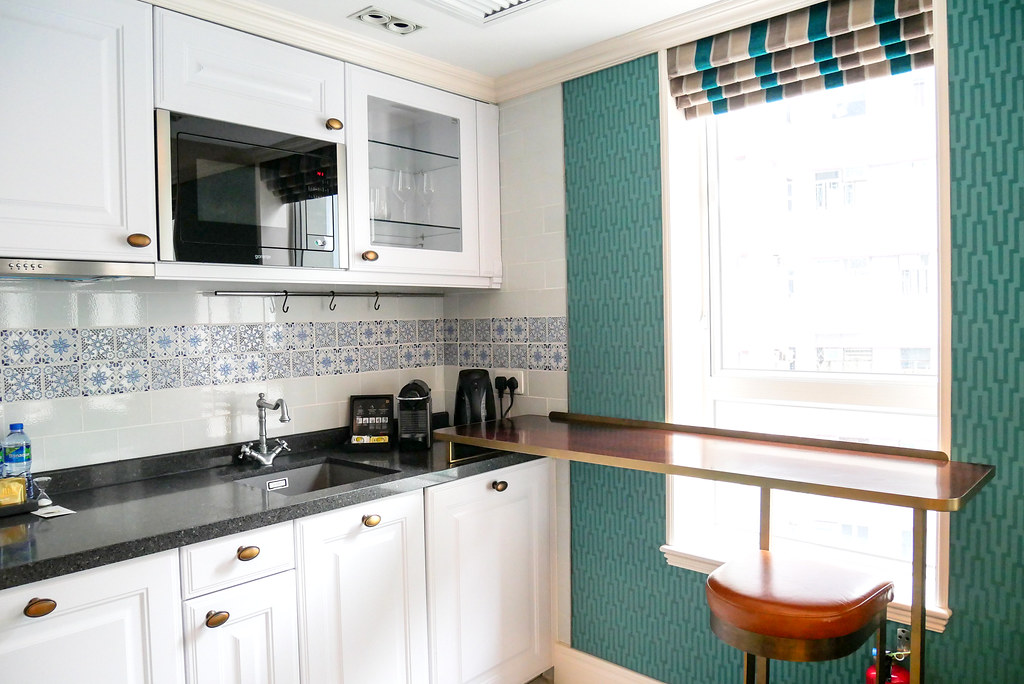 hotel with kitchen hong kong ladders madera hollywood boutique near lan kwai fong the signature suites are fashioned after famous icons marilyn monroe and charlie chaplin as most hotels in