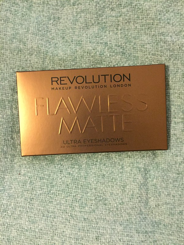 Make up Revolution Flawless Mattes