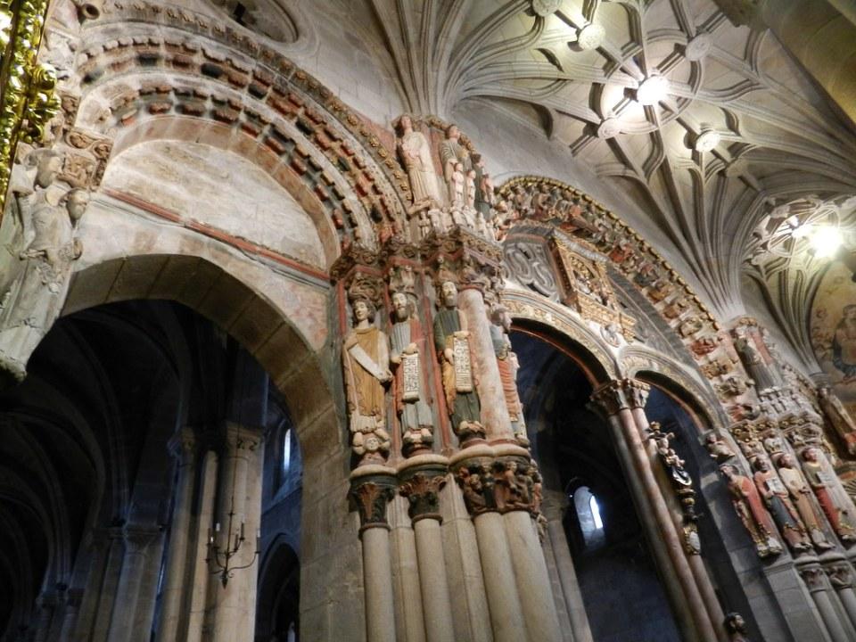 Portico del Paraiso Catedral San Martin Orense 02