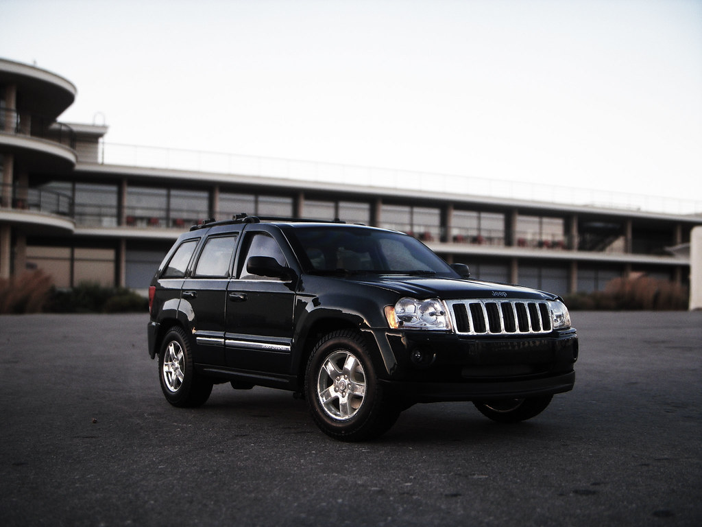 hight resolution of  2005 jeep grand cherokee 5 7 wk 1 18 diecast by maisto by