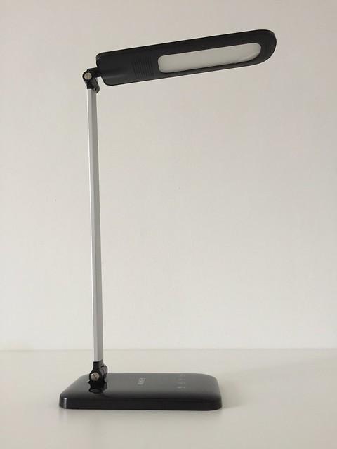 5 Lampe de bureau LED Aukey droite