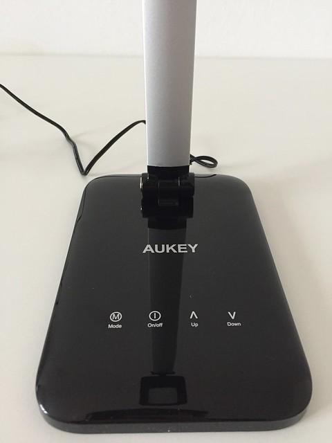 12 Lampe de bureau LED Aukey zoom boutons tactiles
